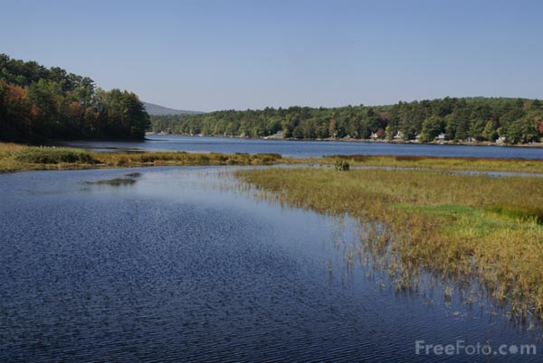 Picture of Megunticook Lake,  Maine, USA - Free Pictures - FreeFoto.com