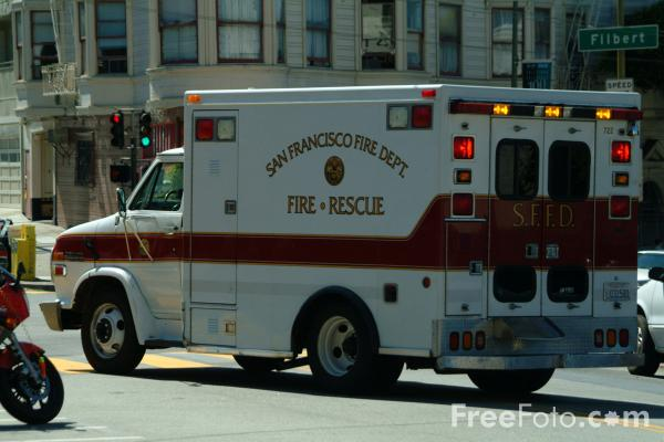 Picture of San Francisco Fire Dept Ambulance, San Francisco, California - Free Pictures - FreeFoto.com