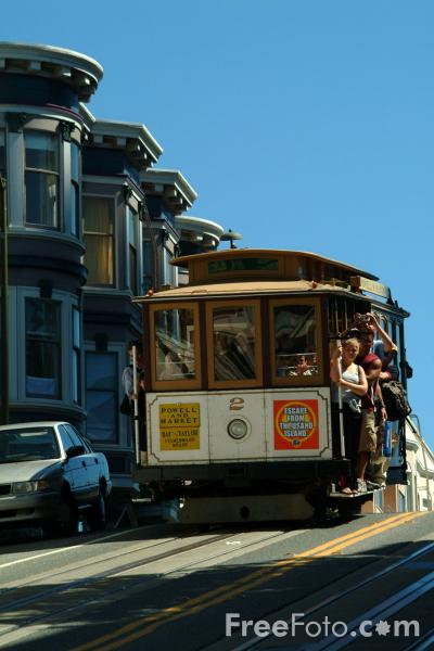 Picture of Cable Car, North Beach District,  San Francisco, California - Free Pictures - FreeFoto.com