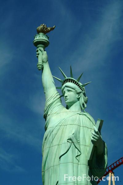Picture of Statue of Liberty, New York New York Hotel, Las Vegas, Nevada, USA - Free Pictures - FreeFoto.com