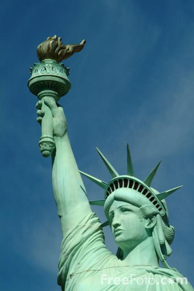 http://www.freefoto.com/images/1216/02/1216_02_58---Statue-of-Liberty--New-York-New-York-Hotel--Las-Vegas--Nevada--USA_web.jpg