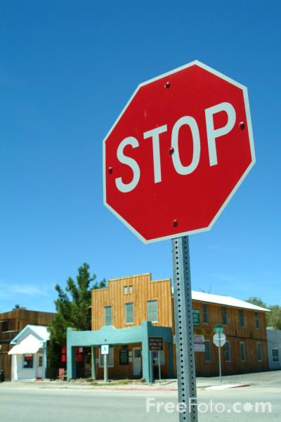 Picture of Stop Sign, Beatty, Nevada, USA - Free Pictures - FreeFoto.com