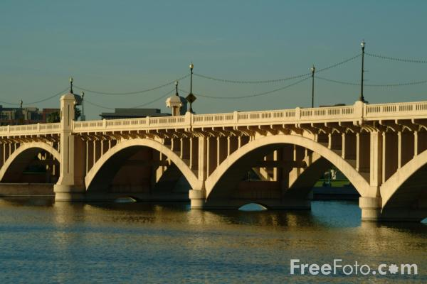 Picture of Mill Avenue Bridges Tempe, Arizona, USA - Free Pictures - FreeFoto.com