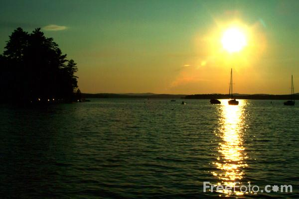 Picture of Sunset, Lake Winnipesaukee, New Hampshire, USA - Free Pictures - FreeFoto.com