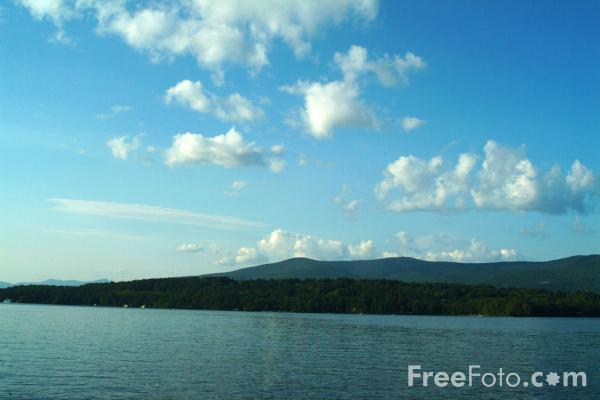 Picture of Lake Winnipesaukee, New Hampshire, USA - Free Pictures - FreeFoto.com