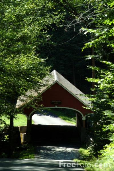 Picture of Flume Covered Bridge, Lincoln, New Hampshire, USA - Free Pictures - FreeFoto.com