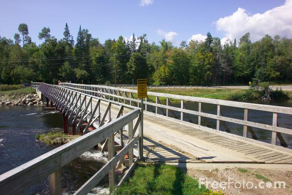 Picture of Bridge, Androscogin River, New Hampshire, USA - Free Pictures - FreeFoto.com