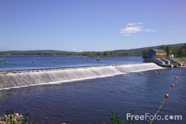 Picture of Pontook Dam, Androscoggin River, Dummer, New Hampshire, USA - Free Pictures - FreeFoto.com
