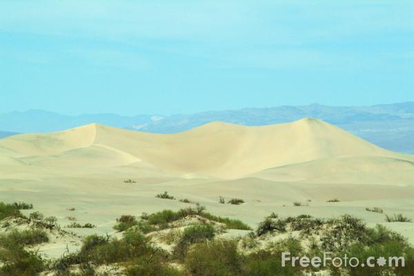 Picture of Sand Dunes, Death Valley, California, USA - Free Pictures - FreeFoto.com