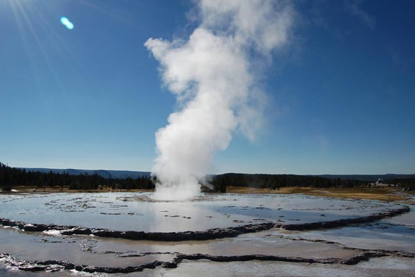 Picture of Great Fountain Geyser, Yellowstone National Park, USA - Free Pictures - FreeFoto.com