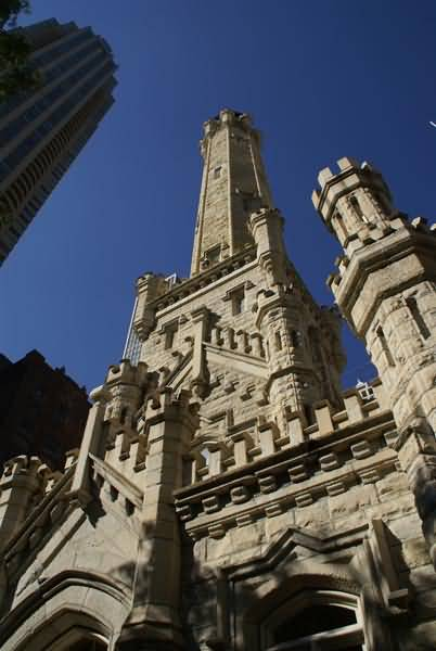 Picture of Old Chicago Water Tower, Chicago, Illinois, USA - Free Pictures - FreeFoto.com
