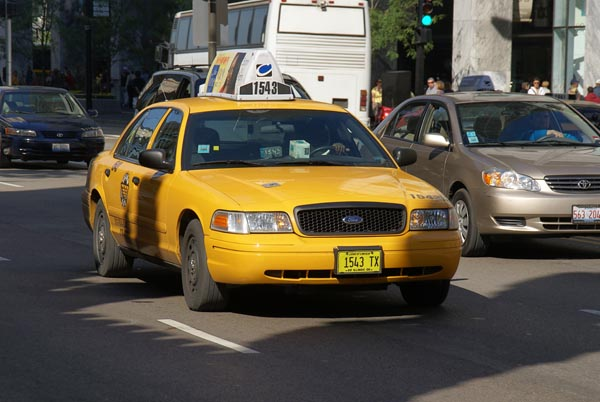 taxi cab chicago illinois usa pictures free use image 1225 08 3 by. Black Bedroom Furniture Sets. Home Design Ideas