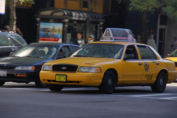 taxi cab chicago illinois usa pictures free use image 1225 08 4 by. Black Bedroom Furniture Sets. Home Design Ideas