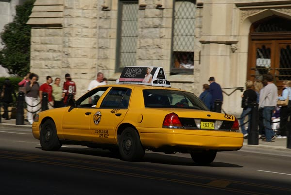 taxi cab chicago illinois usa pictures free use image 1225 08 7 by. Black Bedroom Furniture Sets. Home Design Ideas
