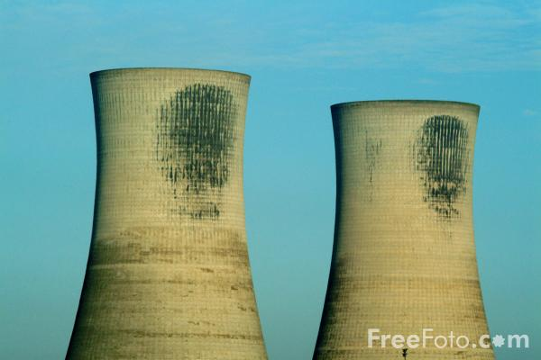 Picture of Cooling Towers, Chemical Works, Billingham, Teesside - Free Pictures - FreeFoto.com