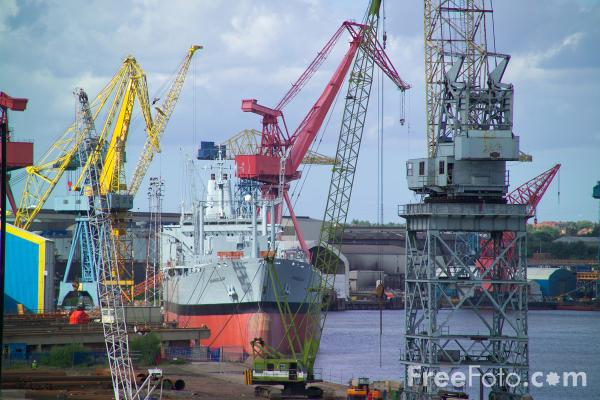 Picture of Shipyard Crane, Wallsend - Free Pictures - FreeFoto.com