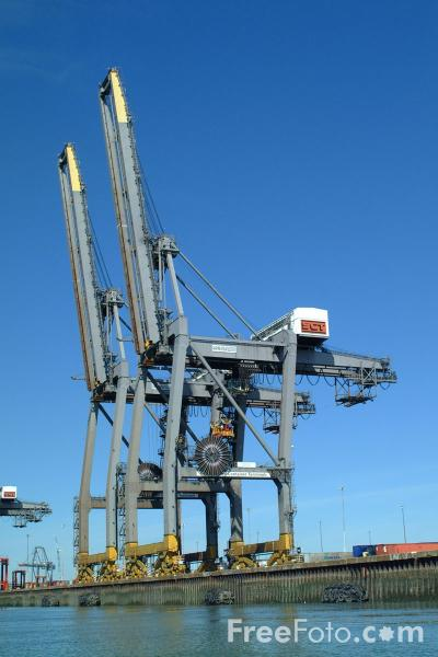 Picture of Cranes, Southampton Container Port - Free Pictures - FreeFoto.com