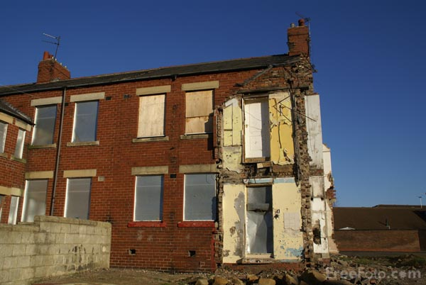 Picture of Derelict House - Free Pictures - FreeFoto.com
