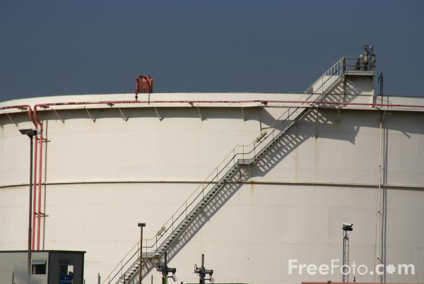 Picture of Oil Storage Tanks