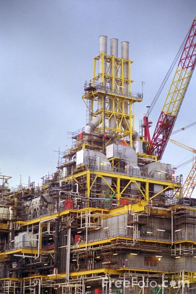 Picture of Oil Platform, Wallsend, Tyne - Free Pictures - FreeFoto.com