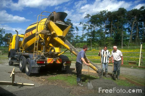 Picture of Concrete mixer - Free Pictures - FreeFoto.com