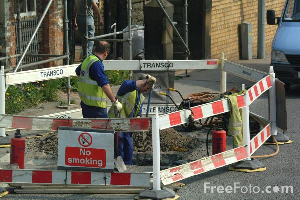 Picture of Hole in the Road, Transco - Free Pictures - FreeFoto.com