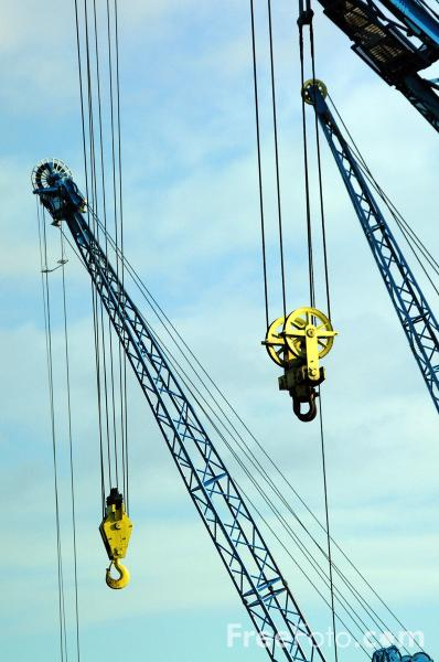 Picture of Cranes, ABP Docks, Goole - Free Pictures - FreeFoto.com