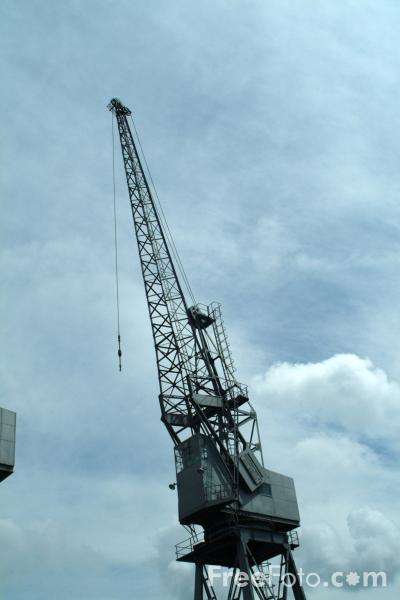 Picture of Crane, Port of Southampton - Free Pictures - FreeFoto.com