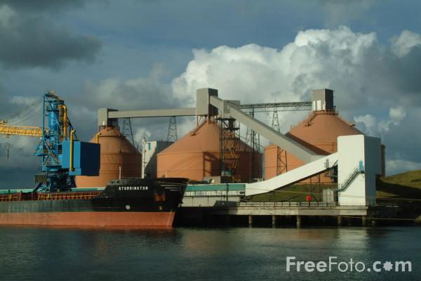 Picture of Alcan Terminal, Blyth, Northumberland - Free Pictures - FreeFoto.com
