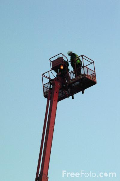 Picture of Hydraulic Lift Platform - Free Pictures - FreeFoto.com