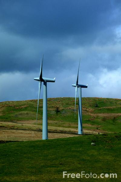 Picture of National Wind Power's Lambrigg Wind Farm, Cumbria - Free Pictures - FreeFoto.com