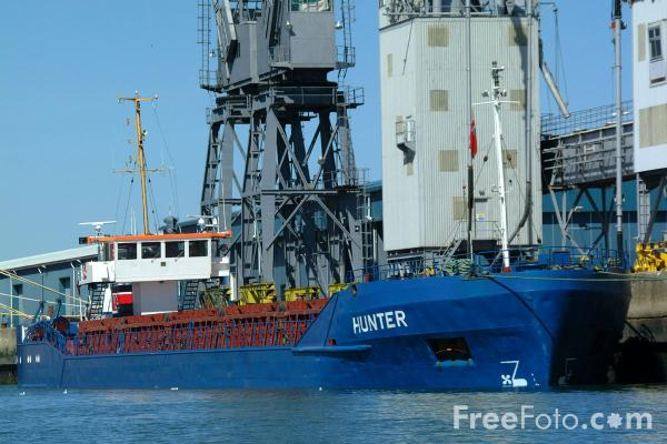 Picture of Hunter, Grain Carrier, Port of Southampton - Free Pictures - FreeFoto.com