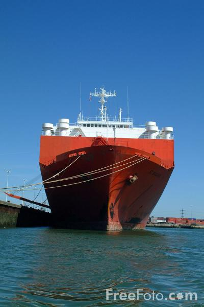 Picture of Car Carrier St Barbara, Port of Southampton - Free Pictures - FreeFoto.com