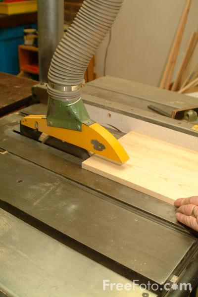Picture of Circular Saw - Free Pictures - FreeFoto.com
