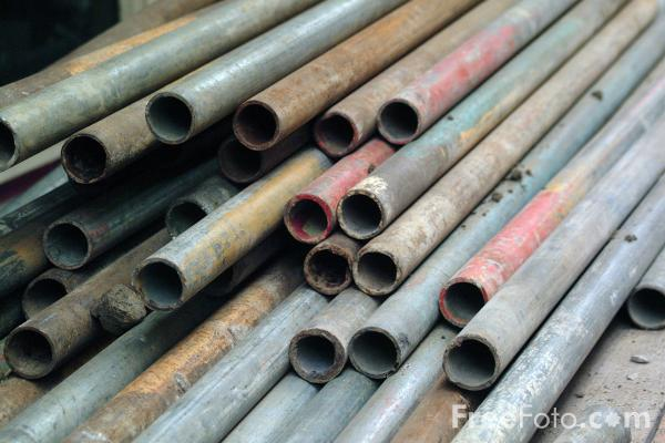 Picture of Scaffolding Poles - Free Pictures - FreeFoto.com