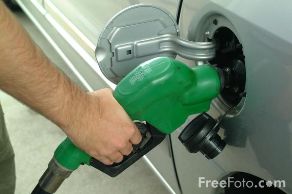 Picture of Filling up with Fuel - Free Pictures - FreeFoto.com