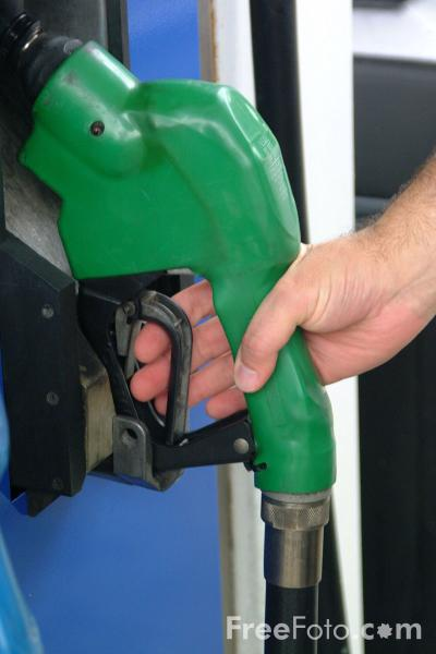 Picture of Filling up with Gas - Free Pictures - FreeFoto.com