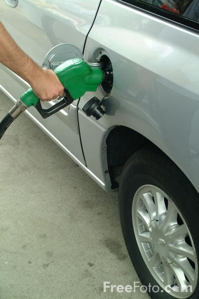 Picture of Filling up with Petrol - Free Pictures - FreeFoto.com