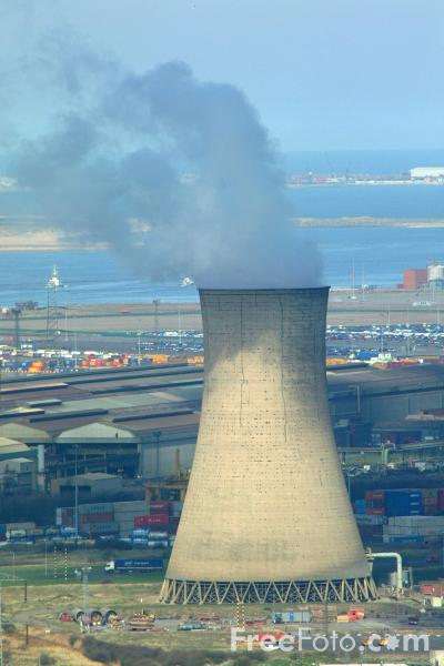 Picture of Cooling Tower, Wilton International petrochemicals complex - Free Pictures - FreeFoto.com