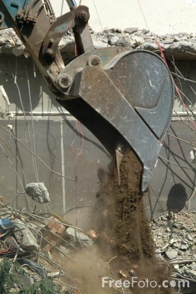 Picture of Demolition excavator bucket - Free Pictures - FreeFoto.com