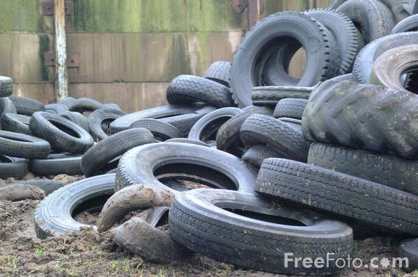 Picture of Auto Tires - Car Tyres - Free Pictures - FreeFoto.com