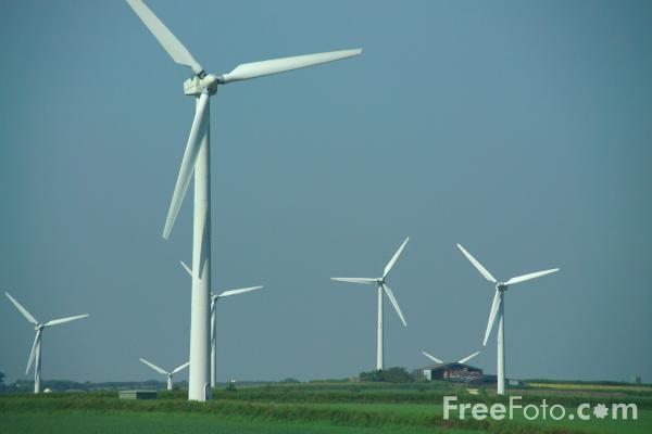 Picture of Four Burrows Wind Farm, Cornwall - Free Pictures - FreeFoto.com