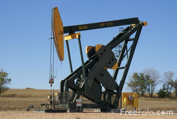 Nodding donkey oil well north dakota usa pictures free use image 13 69 16 by - Pompe a petrole ...