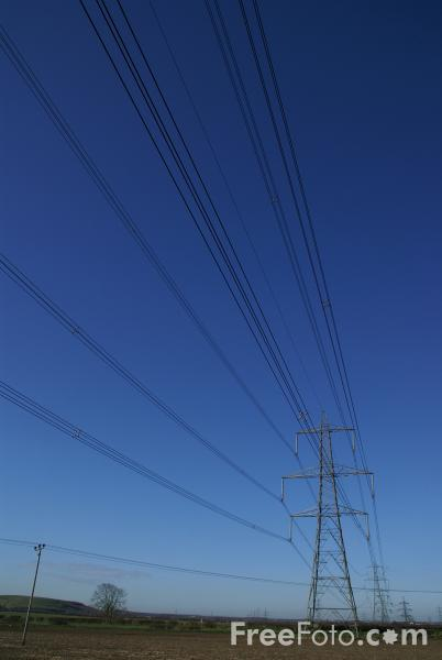 Picture of High tension power lines - Free Pictures - FreeFoto.com