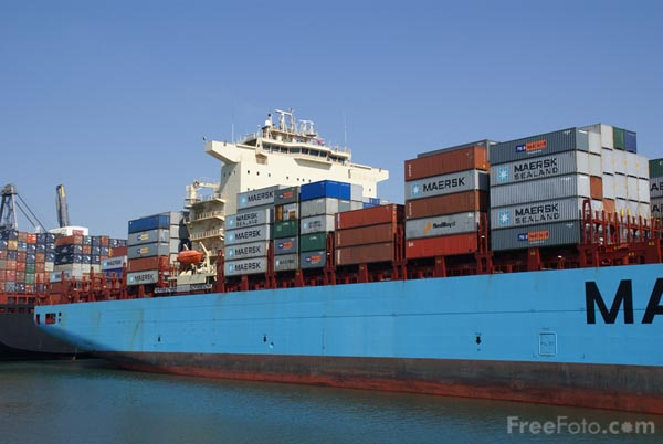 Picture of Maersk Saigon Container Carrier - Free Pictures - FreeFoto.com