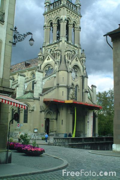 Picture of St Peter und St Paul-Kirche - built in 1858 as the first Catholic parish church to go up in Bern since the Reformation. - Free Pictures - FreeFoto.com