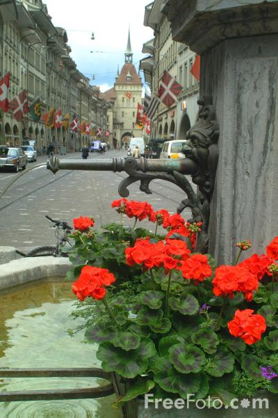 Picture of Fountain, Bern, Switzerland - Free Pictures - FreeFoto.com
