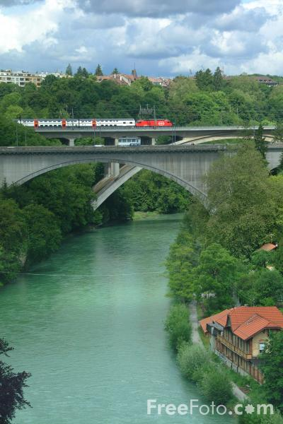 Picture of River Aare, Bern, Switzerland - Free Pictures - FreeFoto.com