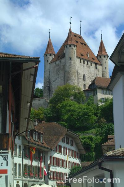 Picture of Thun Castle, Thun, Berner Oberland, Switzerland - Free Pictures - FreeFoto.com