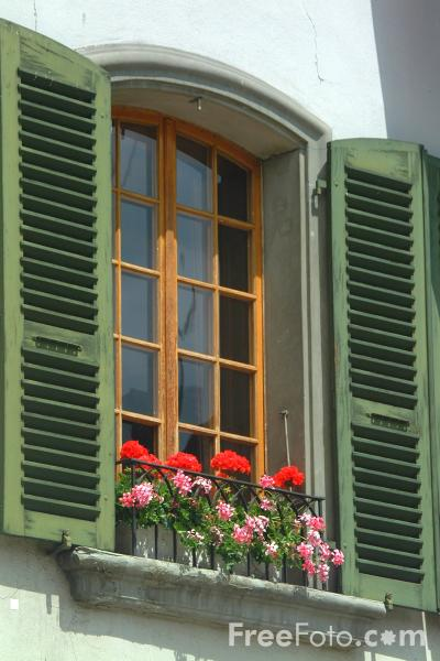 Picture of Window Box, Thun, Berner Oberland, Switzerland - Free Pictures - FreeFoto.com